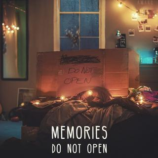 "Cover ""The Chainsmokers - Memories...Do Not Open"" (Foto: Columbia Records)"